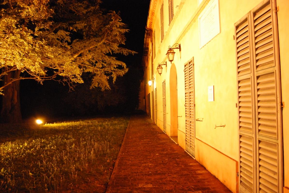 Esterno di Villa Saffi, con il suo albero secolare - Chiari86 - Forlì (FC)