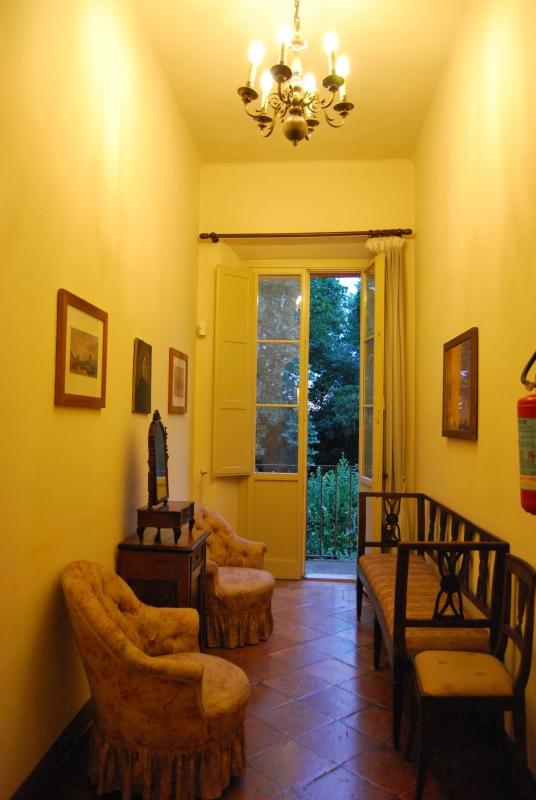Uno dei corridoi di Villa Saffi - Chiari86 - Forlì (FC)