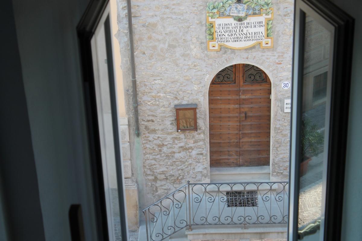 Museo Civico e Casa natale di Don Giovanni Verità, da finestra su Corso Garibaldi - Patrizia Diamante - Modigliana (FC)
