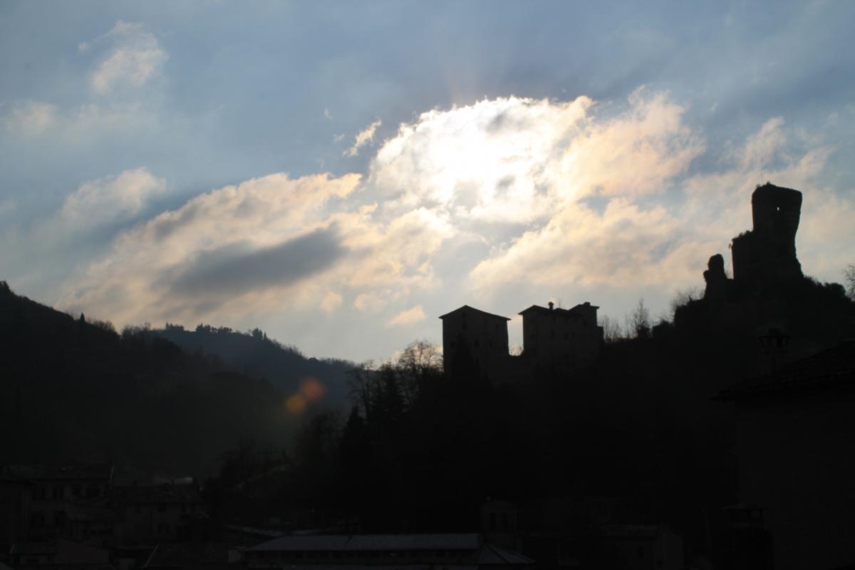 Rocca dei Conti Guidi controluce - Patrizia Diamante - Modigliana (FC)