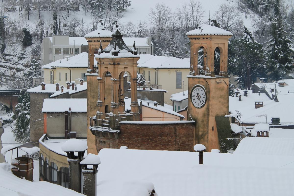Tribuna sotto la neve vista da Vicolo Aldo Celli - Patrizia Diamante - Modigliana (FC)