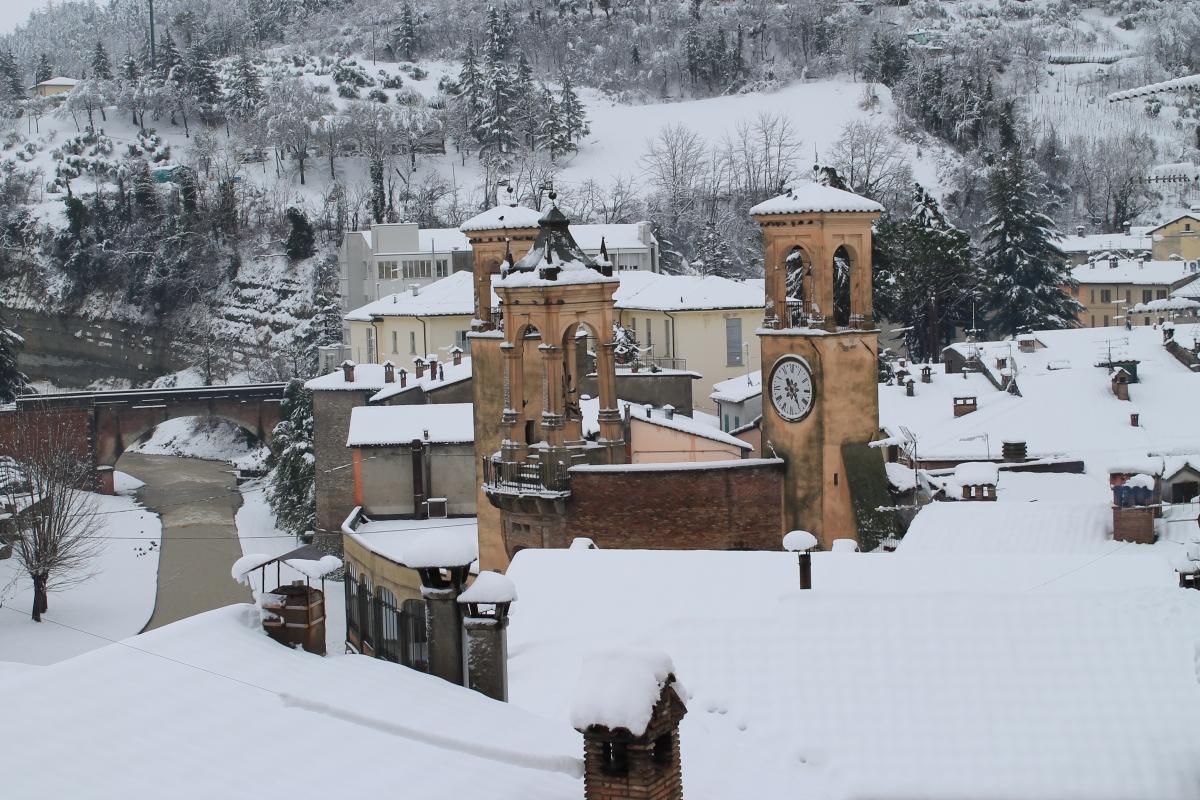 Tribuna sotto la neve, vista da Vicolo Aldo Celli - Patrizia Diamante - Modigliana (FC)