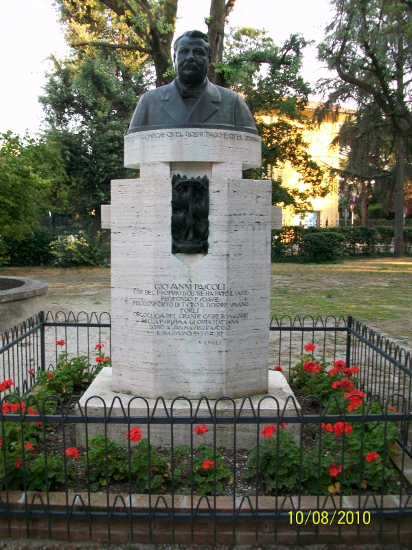 Monumento a Giovanni Pascoli nel giardino della casa - Pincez79 - San Mauro Pascoli (FC)