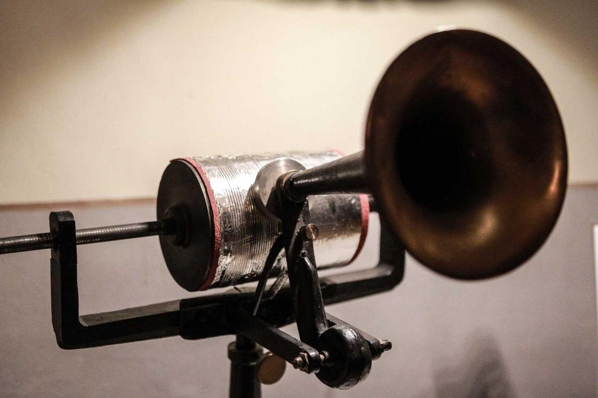 Prima macchina di registrazione suoni - Boschettim65 - Cesena (FC)