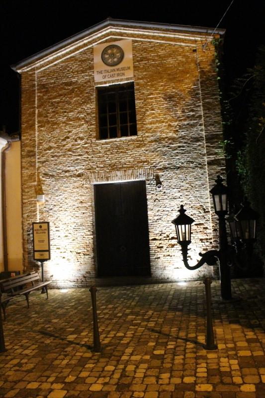 Museo ghisa di notte verticale 27.09.17 - Magnani Giorgio - Longiano (FC)