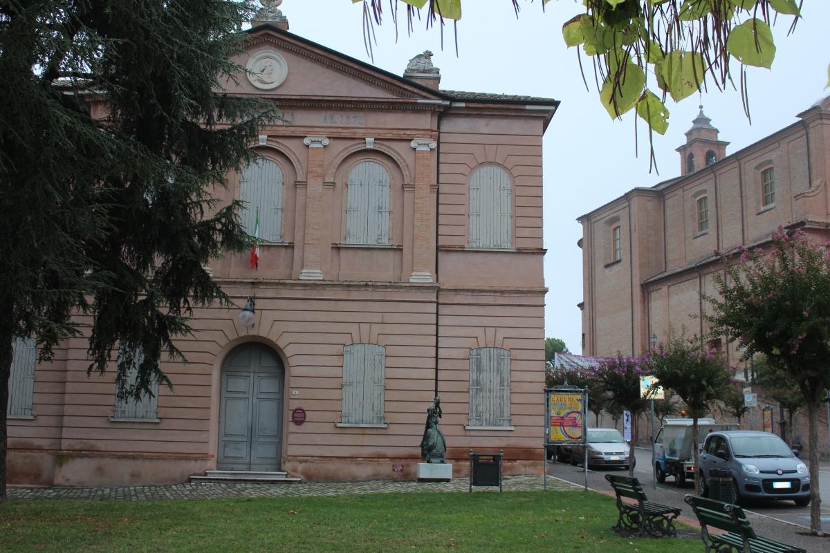 Petrella teatro e foglie 2017 - Magnani Giorgio - Longiano (FC)