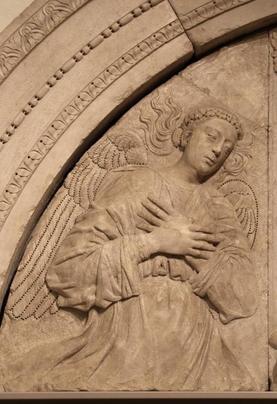 Gregorio di lorenzo, madonna col bambino tra due angeli, da duomo di forlì, porta della canonica, 1490-1510, 03 - Sailko - Forlì (FC)