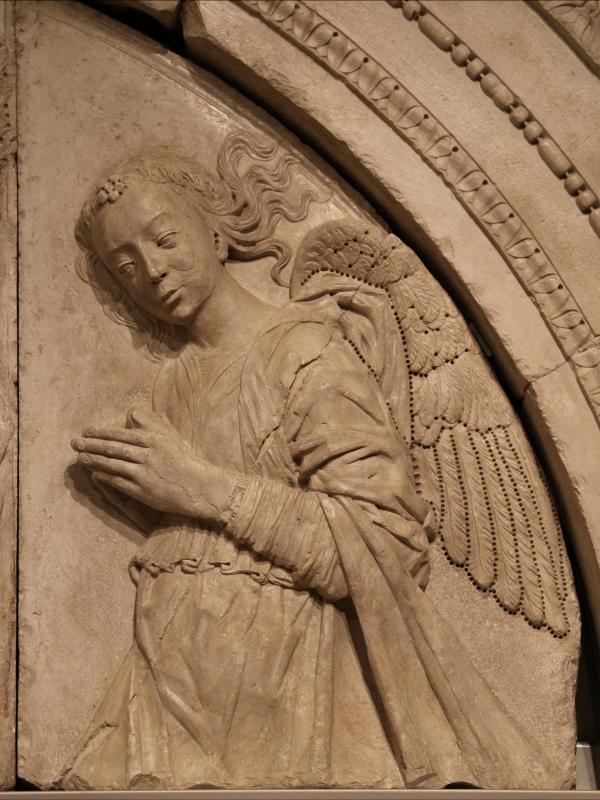 Gregorio di lorenzo, madonna col bambino tra due angeli, da duomo di forlì, porta della canonica, 1490-1510, 05 - Sailko - Forlì (FC)