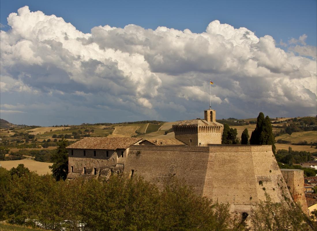 Rocca di Meldola tra le nuvole - UmbertoPaganiniPaganelli - Meldola (FC)