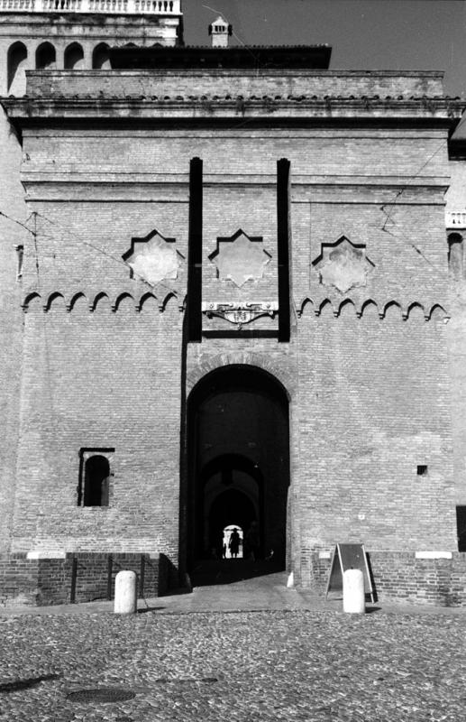 Ferrara - Castello Estense, l'ingresso. - Emanuele Schembri - Ferrara (FE)