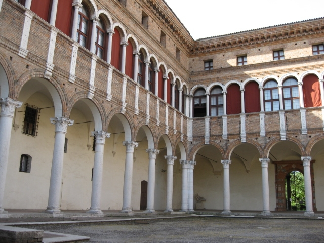 Museo Archeologico Nazionale, corte interna - Sofiadiviola - Ferrara (FE)