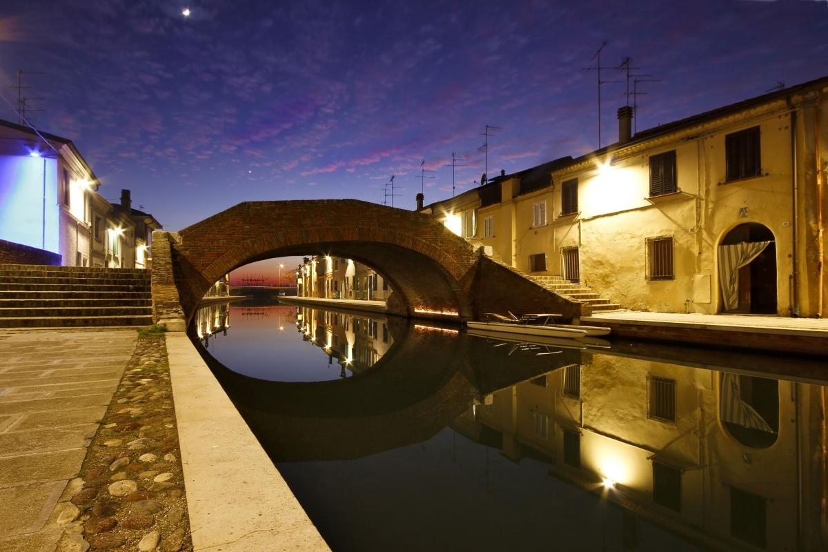 Tramonto racchiuso sotto al ponte - Nbisi - Comacchio (FE)