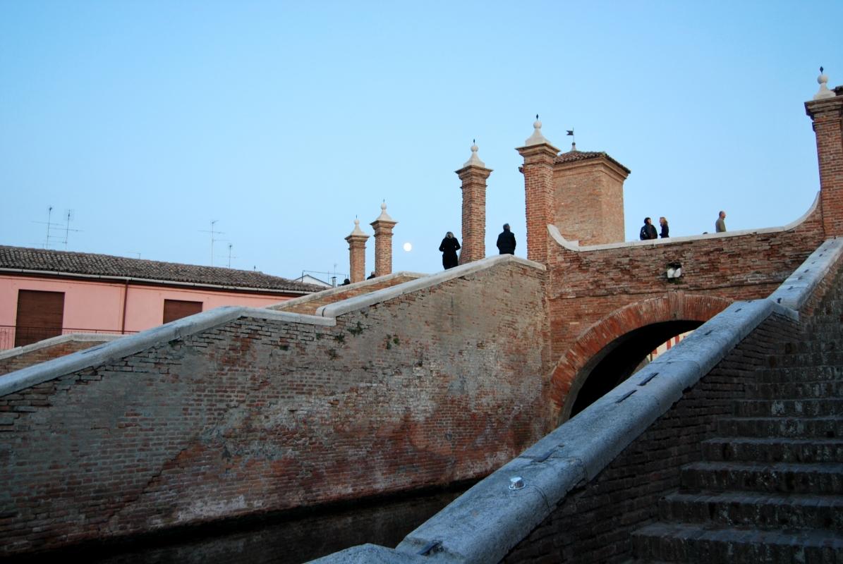 Singolare veduta del Ponte dei Trepponti - Chiari86 - Comacchio (FE)