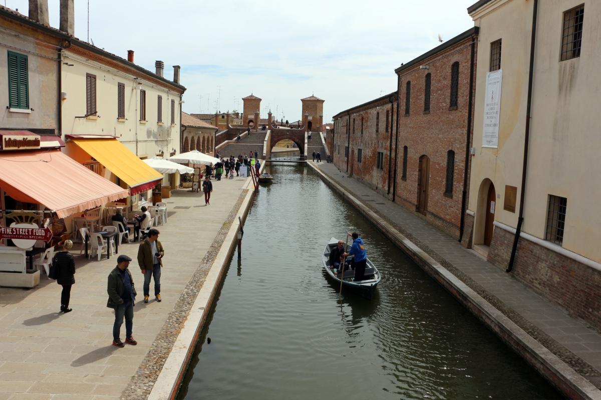 Comacchio, trepponti 01 - Sailko - Comacchio (FE)