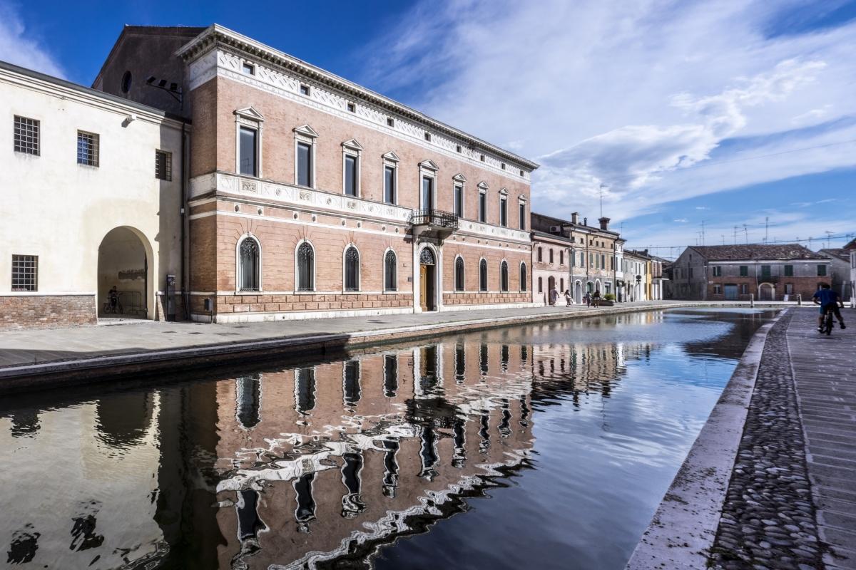 - Palazzo Bellini - - Vanni Lazzari - Comacchio (FE)