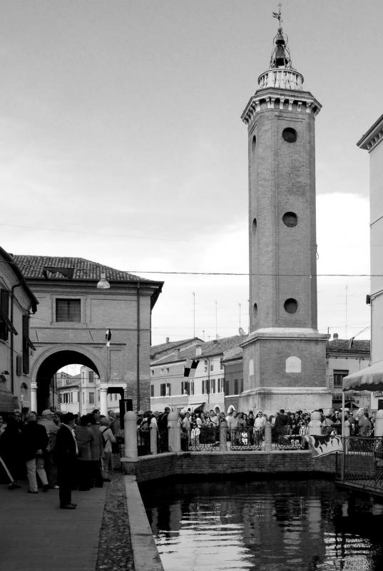 In festa sotto la torre - PAOLO BENETTI - Comacchio (FE)