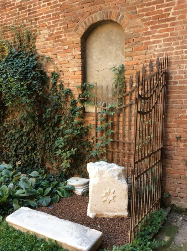 Cortile minore casa romei ferrara - Luciblu - Ferrara (FE)