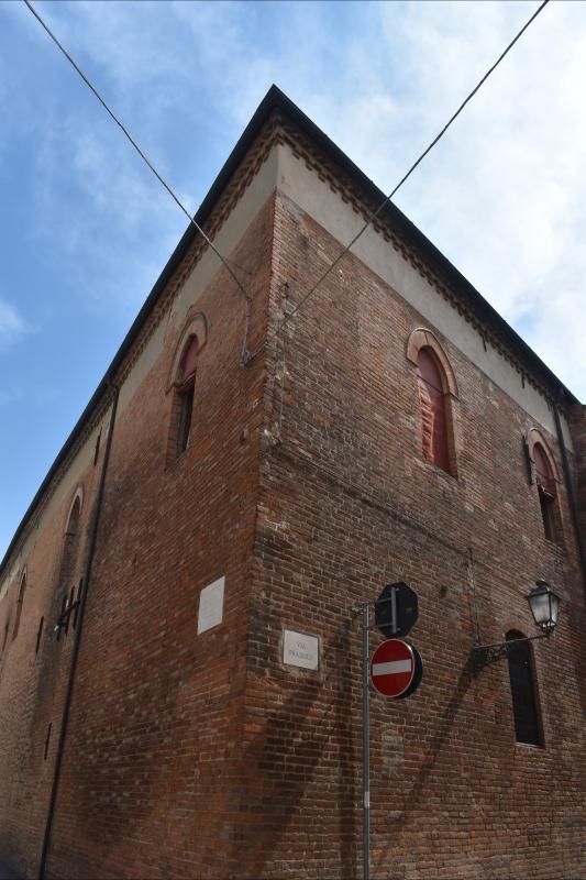 Casa Romei angolo tra via Savonarola e via Praisolo Ferrara - Nicola Quirico - Ferrara (FE)