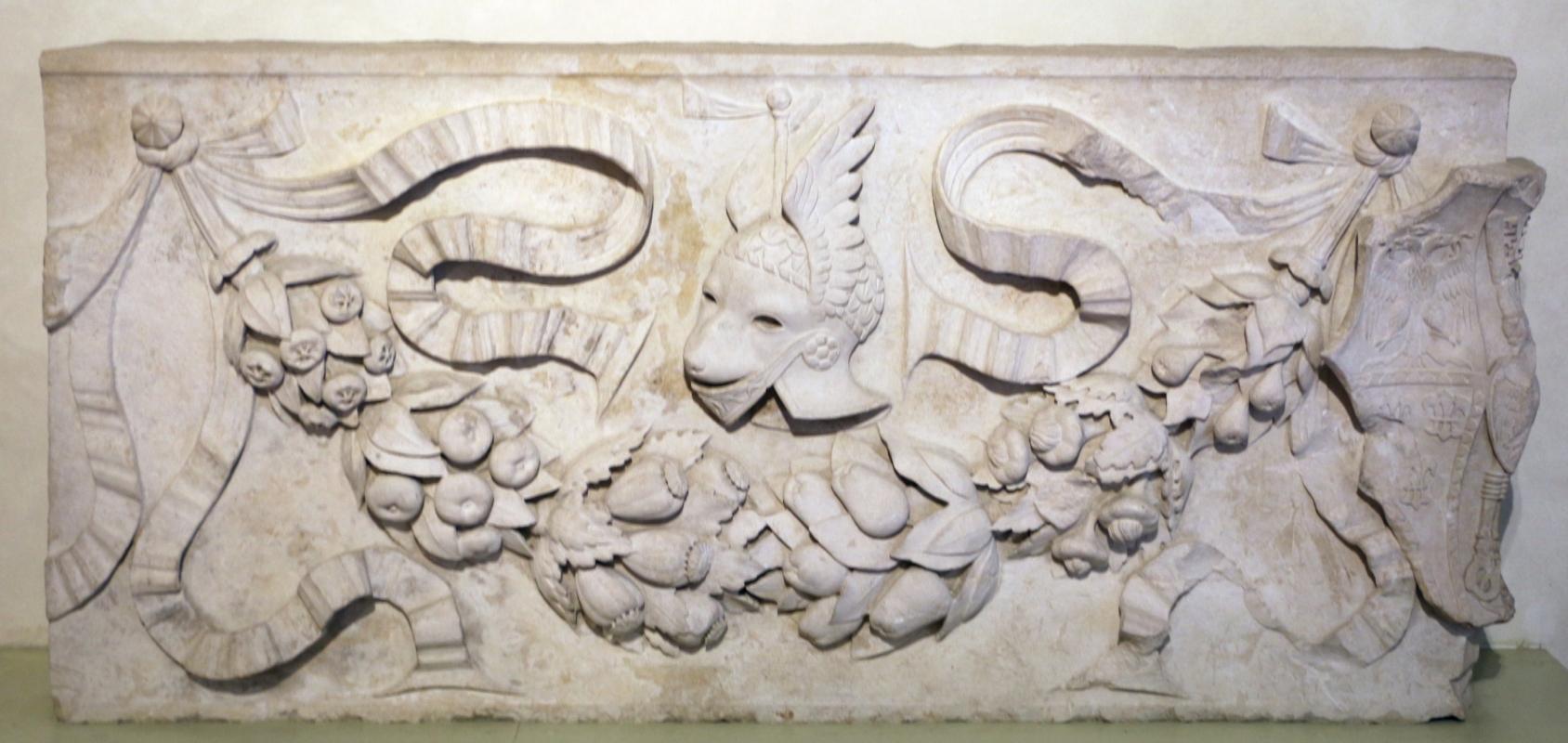 Festone, da piazza ariostea, , 1490-1505 ca. 01 - Sailko - Ferrara (FE)