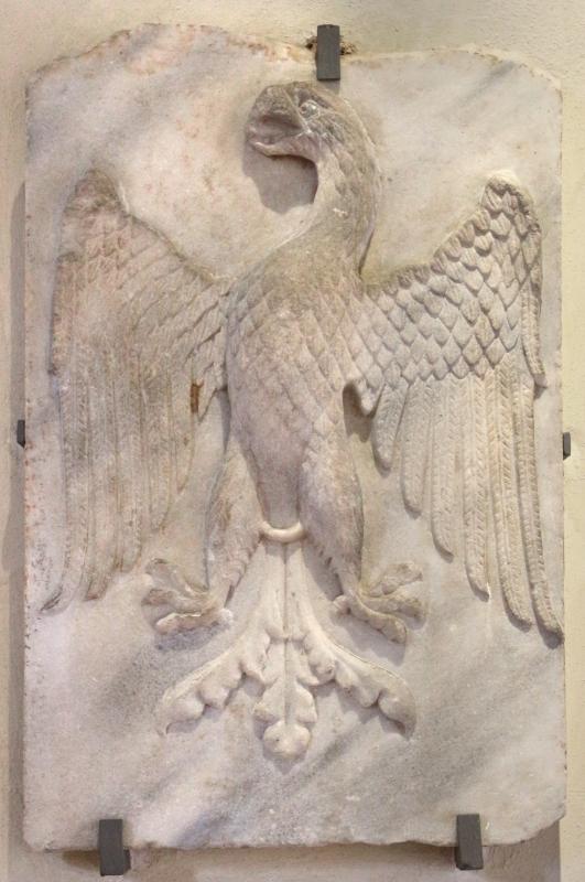 Aquila araldica con stemma estense, xvi secolo circa - Sailko - Ferrara (FE)