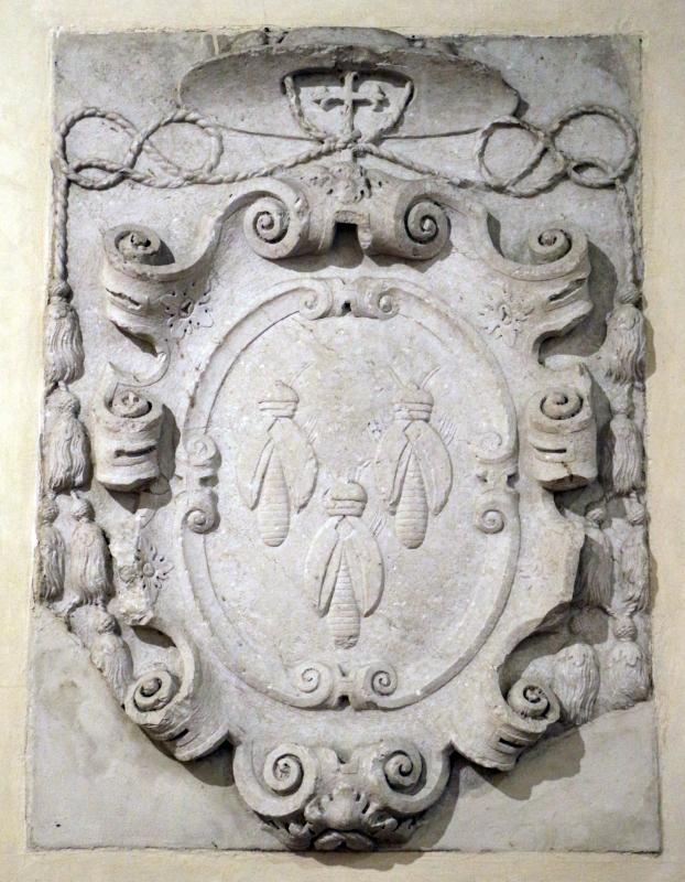 Stemma del cardinale antonio barberini in pietra d'istria, dalla porta catena, xvii secolo - Sailko - Ferrara (FE)