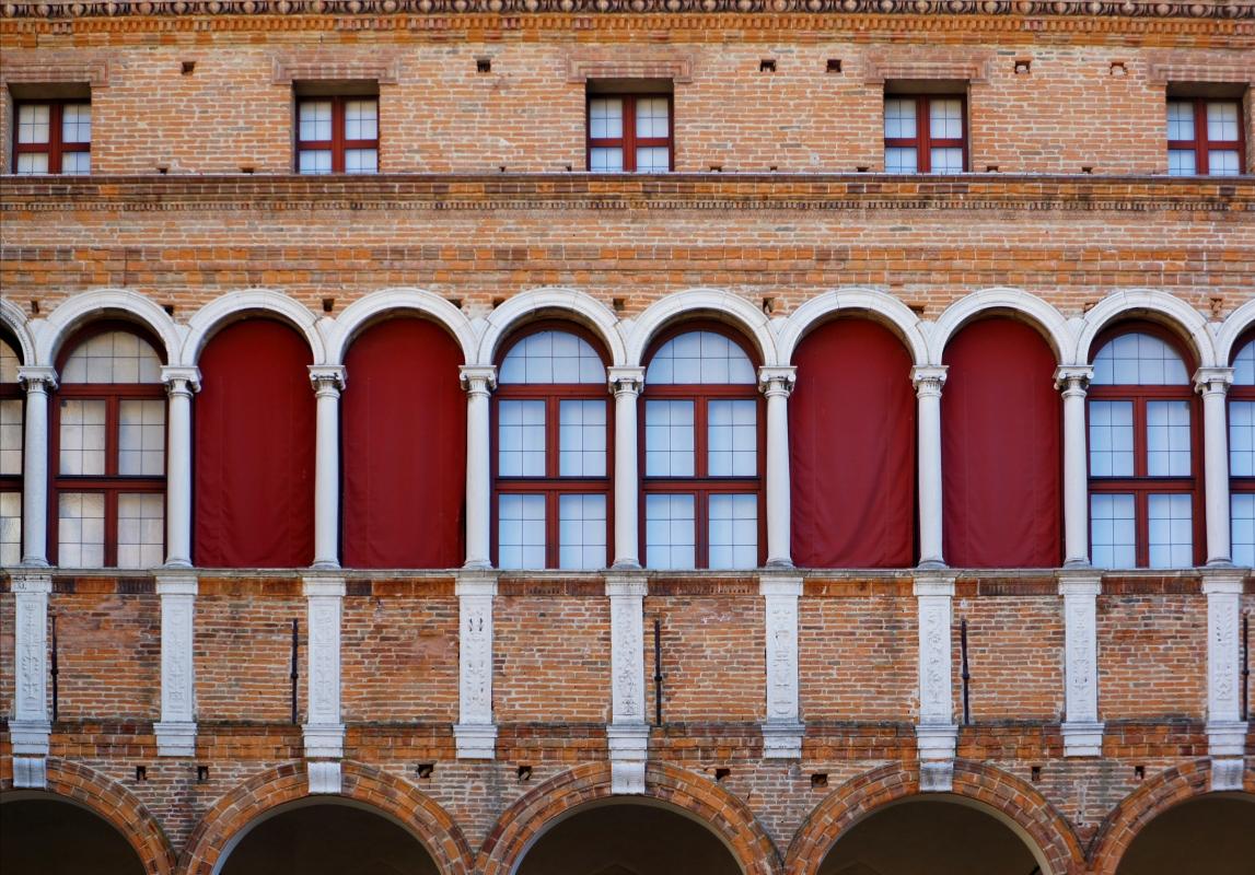 Palazzo Costabili detto di Ludovico il Moro - Particolare del cortile d'onore - Andrea Comisi - Ferrara (FE)