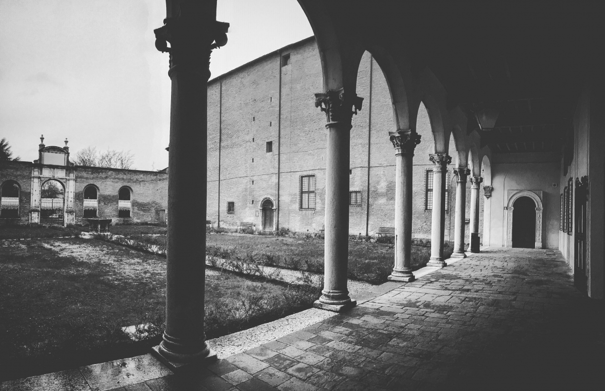 CORTILE E LOGGIATO DI PALAZZO DEI DIAMANTI - Fedeclick - Ferrara (FE)