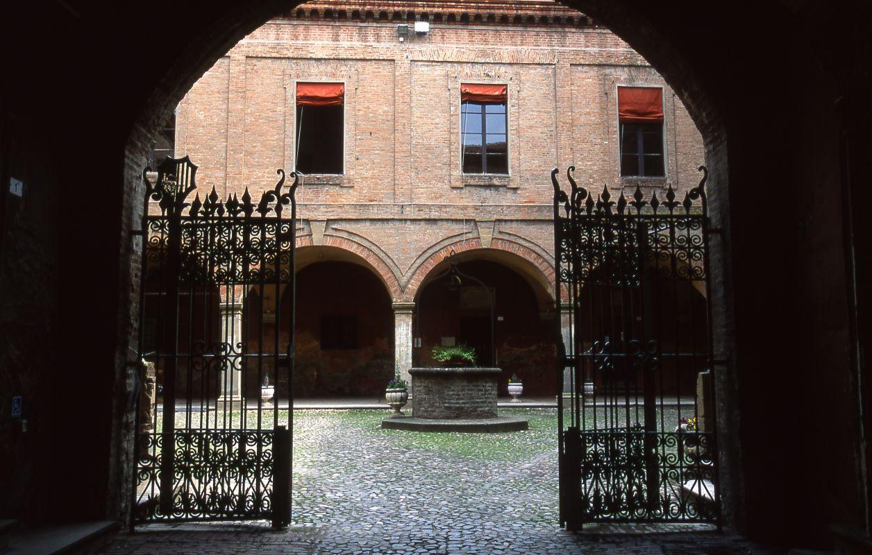 Castello Lambertini. Interno - Meneghetti - Poggio Renatico (FE)