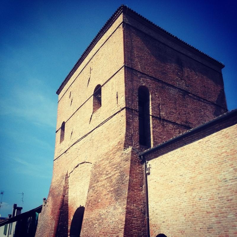 Torrione d'ingresso alla Reggia di Belriguardo - AlessandroB - Voghiera (FE)