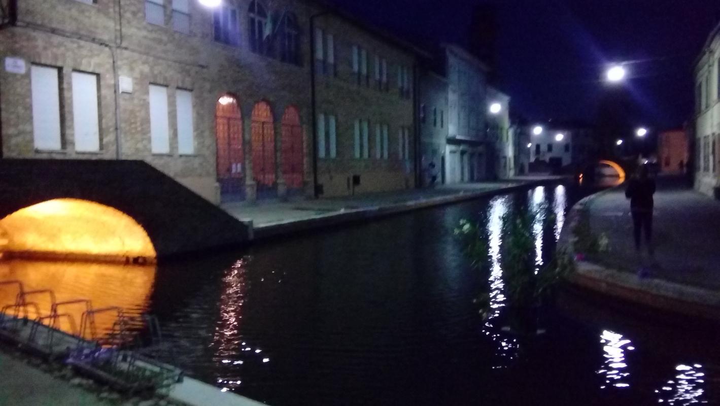 Luce dal ponte - LILIANA VENEZIA - Comacchio (FE)