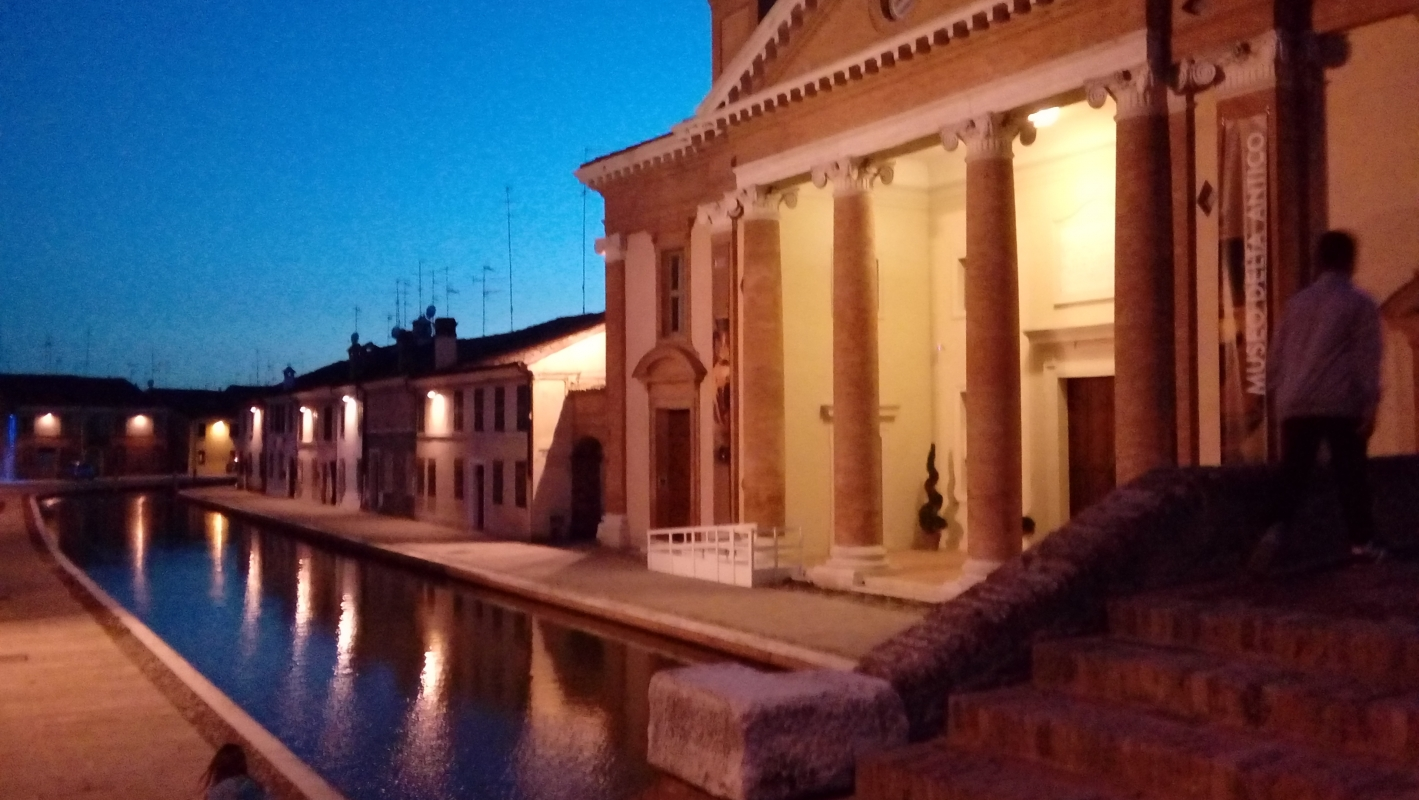 Luci nell'acqua - LILIANA VENEZIA - Comacchio (FE)