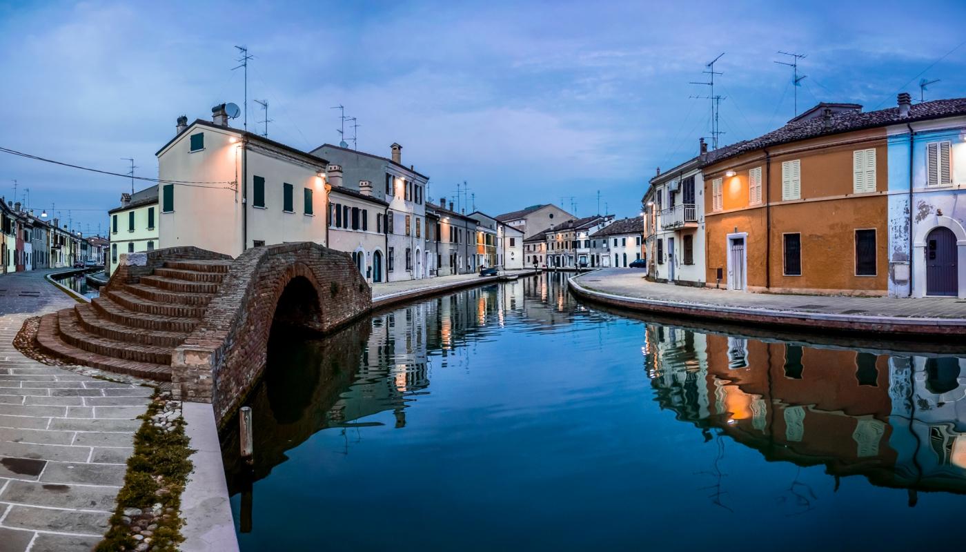 Riflessi - Centro storico di Comacchio - Vanni Lazzari - Comacchio (FE)