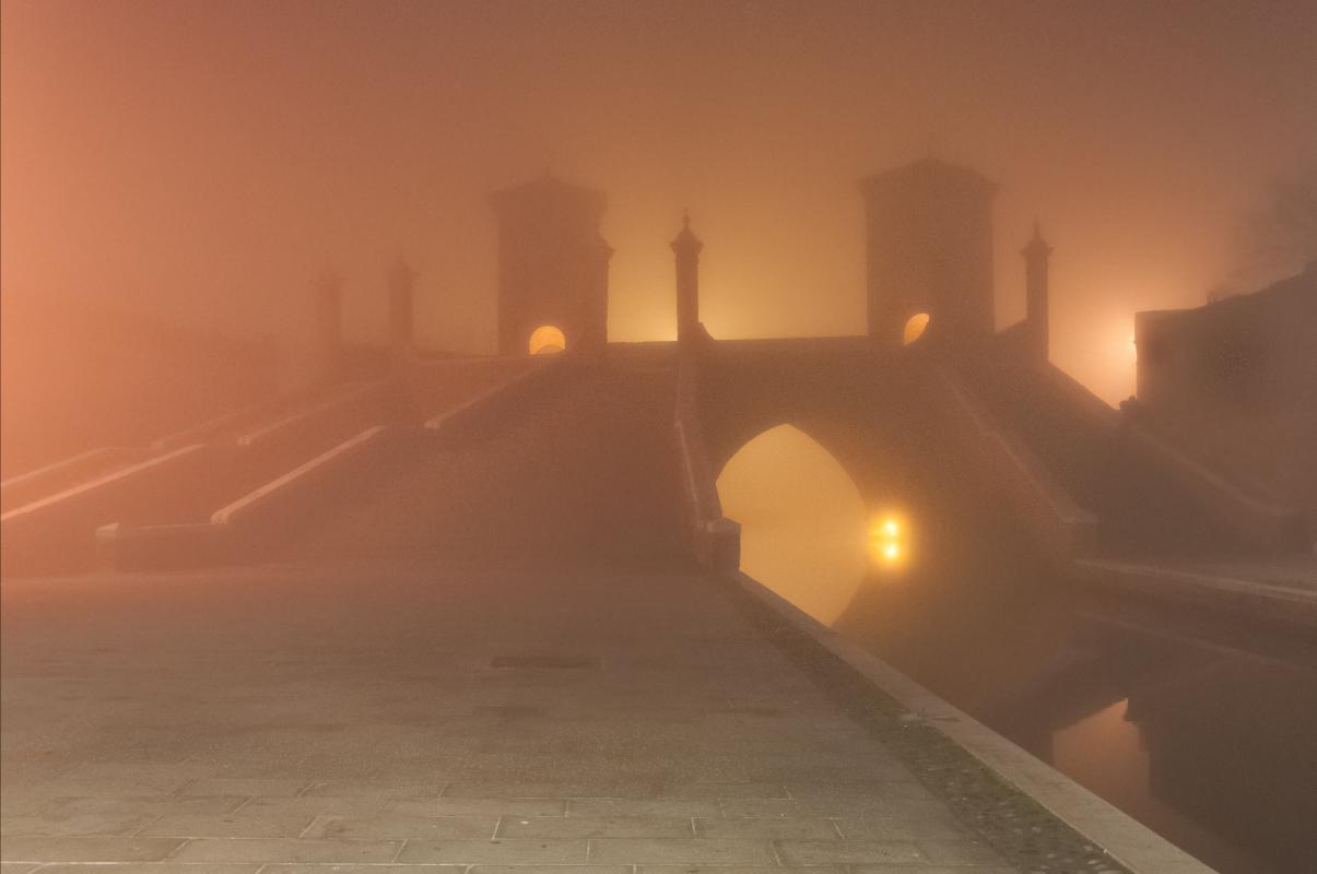 Nella nebbia - Vanni Lazzari - Comacchio (FE)
