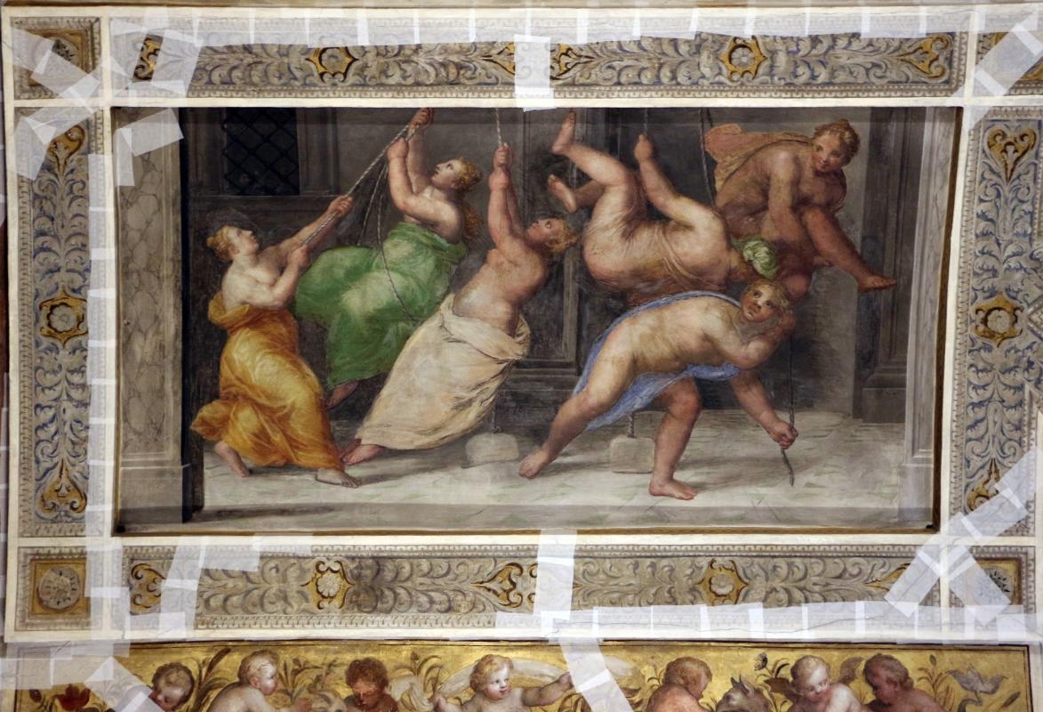 Bastianino, ludovico settevecchi e leonardo da brescia, salone dei giochi nel castello estense, 1570, 04 carrucole - Sailko - Ferrara (FE)
