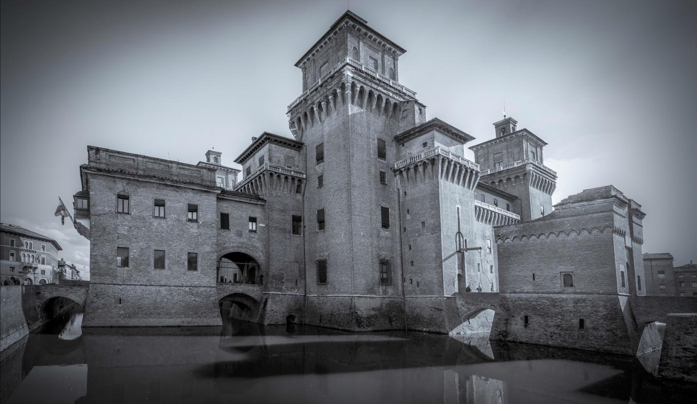 Castello Estense --- Ferrara - Vanni Lazzari - Ferrara (FE)