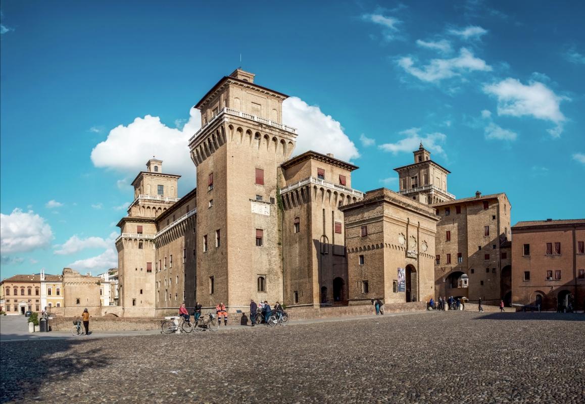 Ferrara -- Castello Estense - Vanni Lazzari - Ferrara (FE)