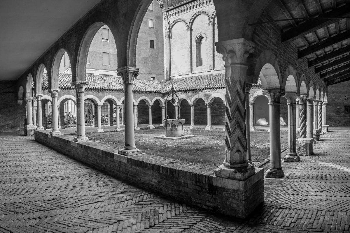 Ferrara - Chiostro di San Romano - Museo della Cattedrale - Vanni Lazzari - Ferrara (FE)