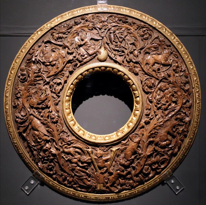 Intagliatore attivo a ferrara, cornice per specchio, 1505-10 ca. (v&a) 01 - Sailko - Ferrara (FE)