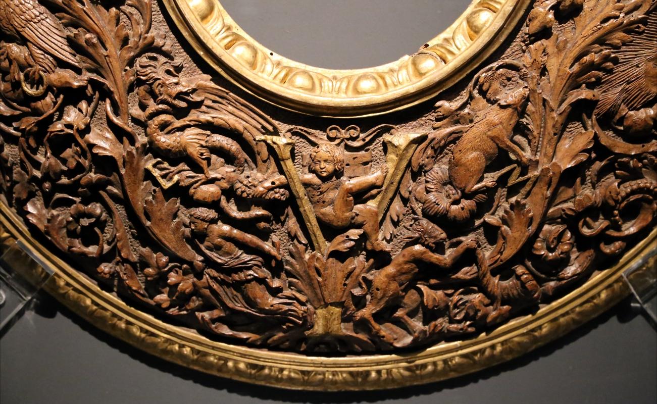 Intagliatore attivo a ferrara, cornice per specchio, 1505-10 ca. (v&a) 05 putto - Sailko - Ferrara (FE)