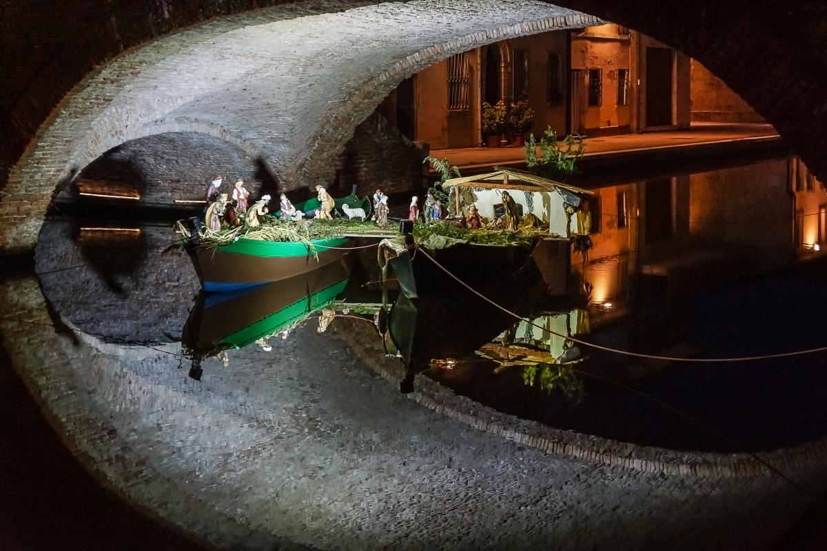 Presepe sotto il ponte di San Pietro - Vanni Lazzari - Comacchio (FE)