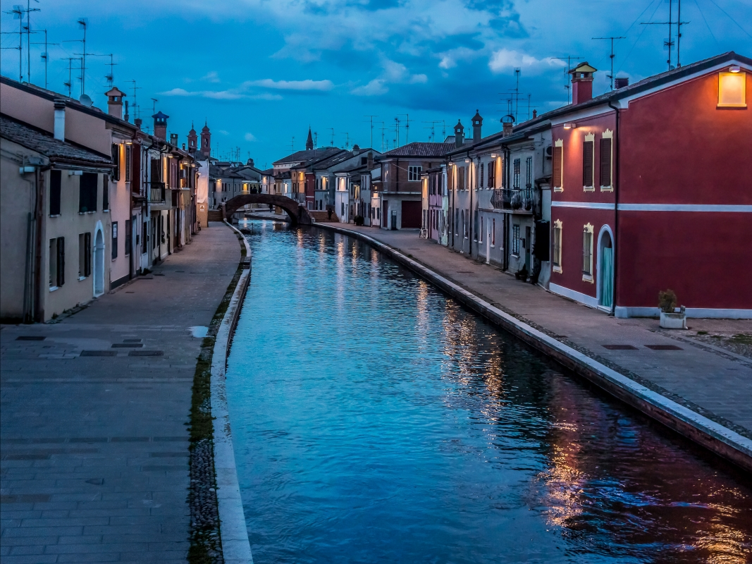 Ponte San Pietro, Comacchio - Vanni Lazzari - Comacchio (FE)