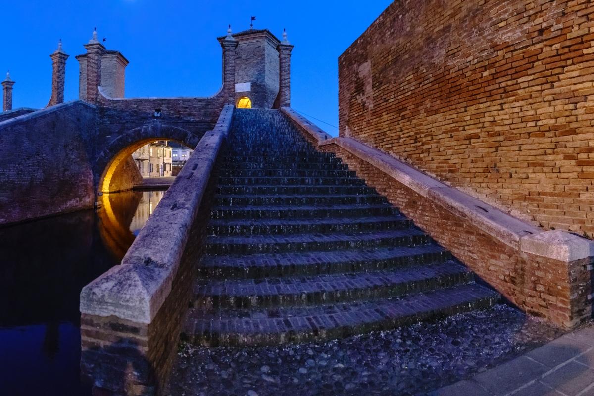 Trepponti nell'ora blu - Comacchio - Vanni Lazzari - Comacchio (FE)