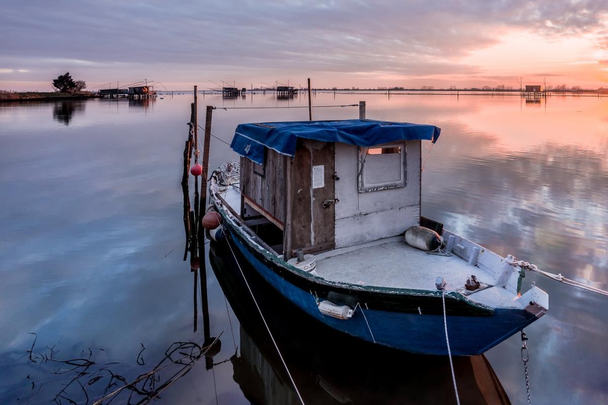 La barca di Valle Fattibello al tramonto - Vanni Lazzari - Comacchio (FE)