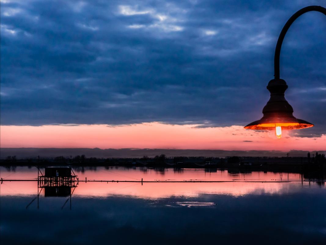 La luce del tramonto - Valle Fattibello - Comacchio - Vanni Lazzari - Comacchio (FE)