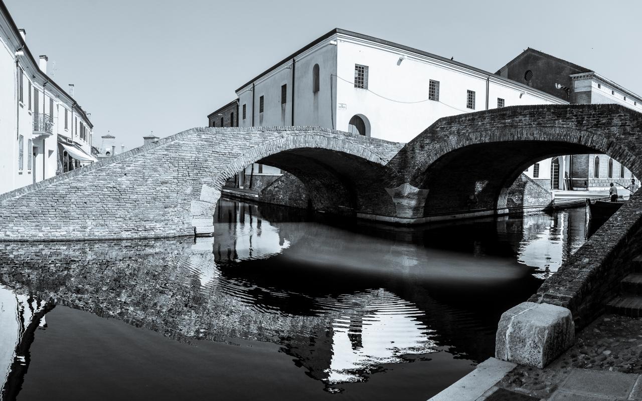 Ponte degli Sbirri ed antiche carceri - Vanni Lazzari - Comacchio (FE)