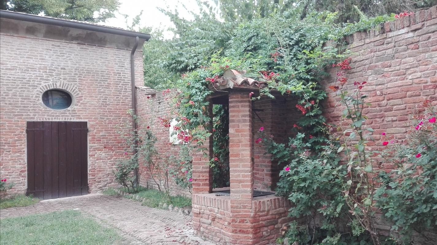 Cortile della casa di Ariosto - Aivalfantastic - Ferrara (FE)