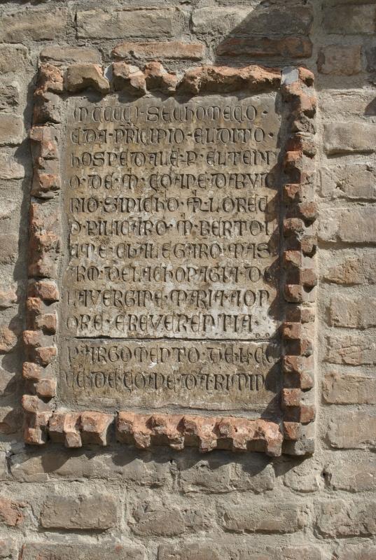 Lapide, cortile Palazzo dei Diamanti Ferrara - Nicola Quirico - Ferrara (FE)