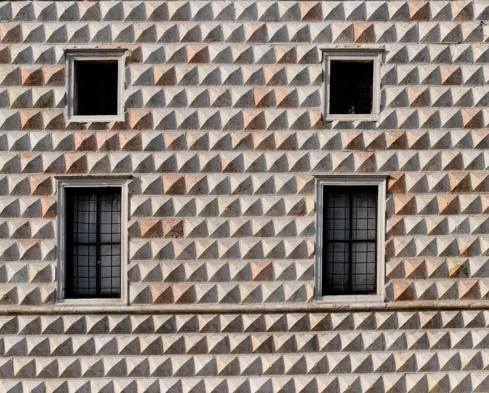 Windows palazzo Diamanti Ferrara 01 - Nicola Quirico - Ferrara (FE)