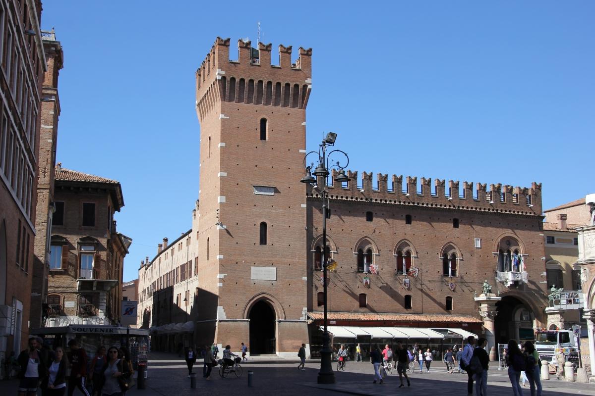 Ferrara, palazzo municipale (02) - Gianni Careddu - Ferrara (FE)