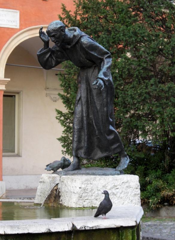 Fontana di San Francesco a Modena con piccione - Matteolel - Modena (MO)